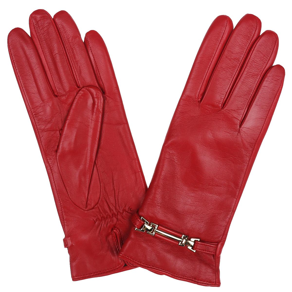 ПерчаткиLB-0306Классические женские перчатки Labbra не только защитят ваши руки, но и станут великолепным украшением. Перчатки выполнены из чрезвычайно мягкой и приятной на ощупь натуральной кожи ягненка, а их подкладка - из натуральной шерсти с добавлением акрила. Внешняя сторона перчатки декорирована кожаным ремешком с пряжкой. С внутренней стороны сделана аккуратная сборка резинкой. В настоящее время перчатки являются неотъемлемой принадлежностью одежды, вместе с этим аксессуаром вы обретаете женственность и элегантность. Перчатки станут завершающим и подчеркивающим элементом вашего стиля и неповторимости.