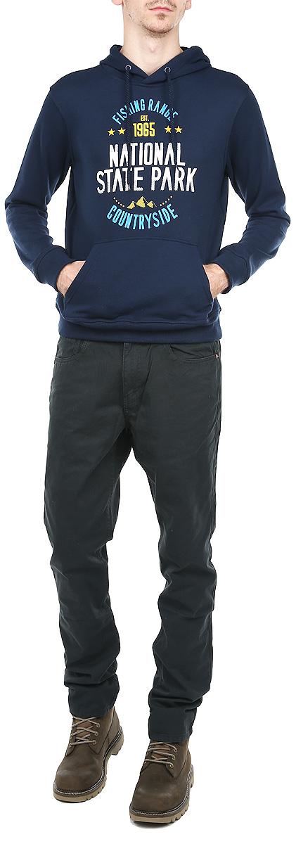Толстовка мужская. St-213/200-5323St-213/200-5323Стильная мужская толстовка Sela, изготовленная из хлопка с добавлением полиэстера, необычайно мягкая и приятная на ощупь, не сковывает движения, обеспечивая наибольший комфорт. Толстовка с капюшоном на кулиске имеет широкую трикотажную резинку по низу и манжетам, что предотвращает проникновение холодного воздуха. Изделие дополнено вместительным карманом-кенгуру.Спереди модель оформлена принтовыми надписями. Эта модная и в тоже время комфортная толстовка отличный вариант как для активного отдыха, так и для занятий спортом!