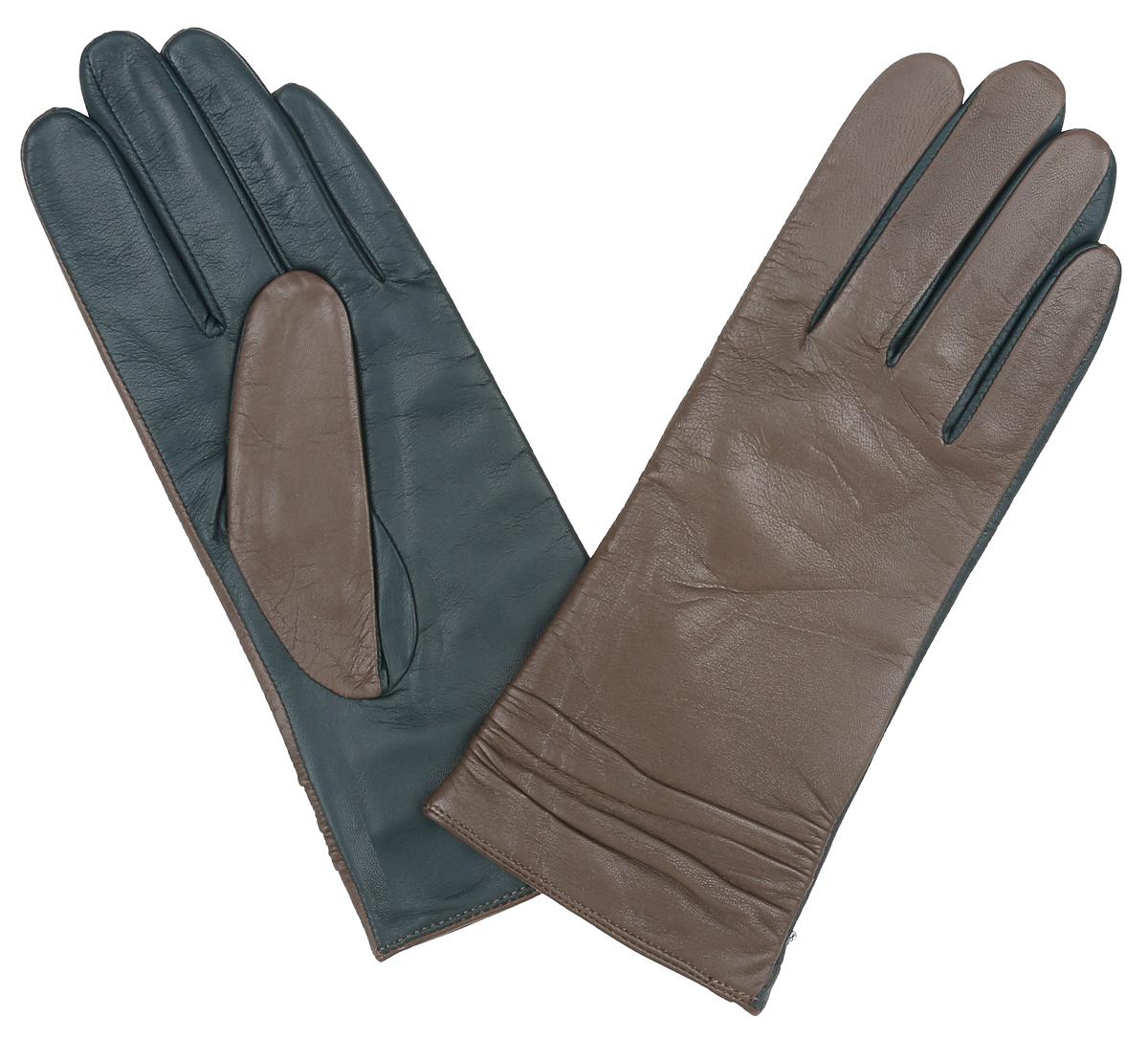 LB-8338Классические женские перчатки Labbra не только защитят ваши руки, но и станут великолепным украшением. Перчатки выполнены из чрезвычайно мягкой и приятной на ощупь натуральной кожи ягненка, а их подкладка - из натуральной шерсти с добавлением акрила. Отделка - комбинирование контрастных цветов кожи. Модель декорирована сборкой по всей длине манжеты. В настоящее время перчатки являются неотъемлемой принадлежностью одежды, вместе с этим аксессуаром вы обретаете женственность и элегантность. Перчатки станут завершающим и подчеркивающим элементом вашего стиля и неповторимости.