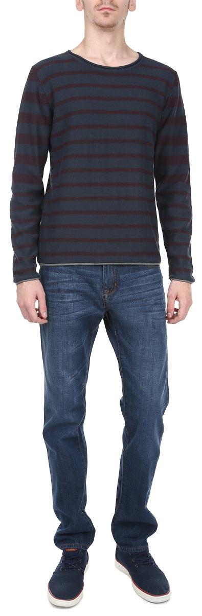 Джемпер мужской. 1015193610151936_53BСтильный мужской джемпер Broadway необычайно мягкий и приятный на ощупь, не сковывает движения, обеспечивая наибольший комфорт. Джемпер с круглым вырезом горловины и длинными рукавами идеально гармонирует с любыми предметами одежды и будет уместен и на отдых, и на работу. Горловина, низ и манжеты изделия дополнены текстильной оторочкой без обработки. Такой замечательный джемпер - базовая вещь в гардеробе современного мужчины, желающего выглядеть элегантно каждый день!