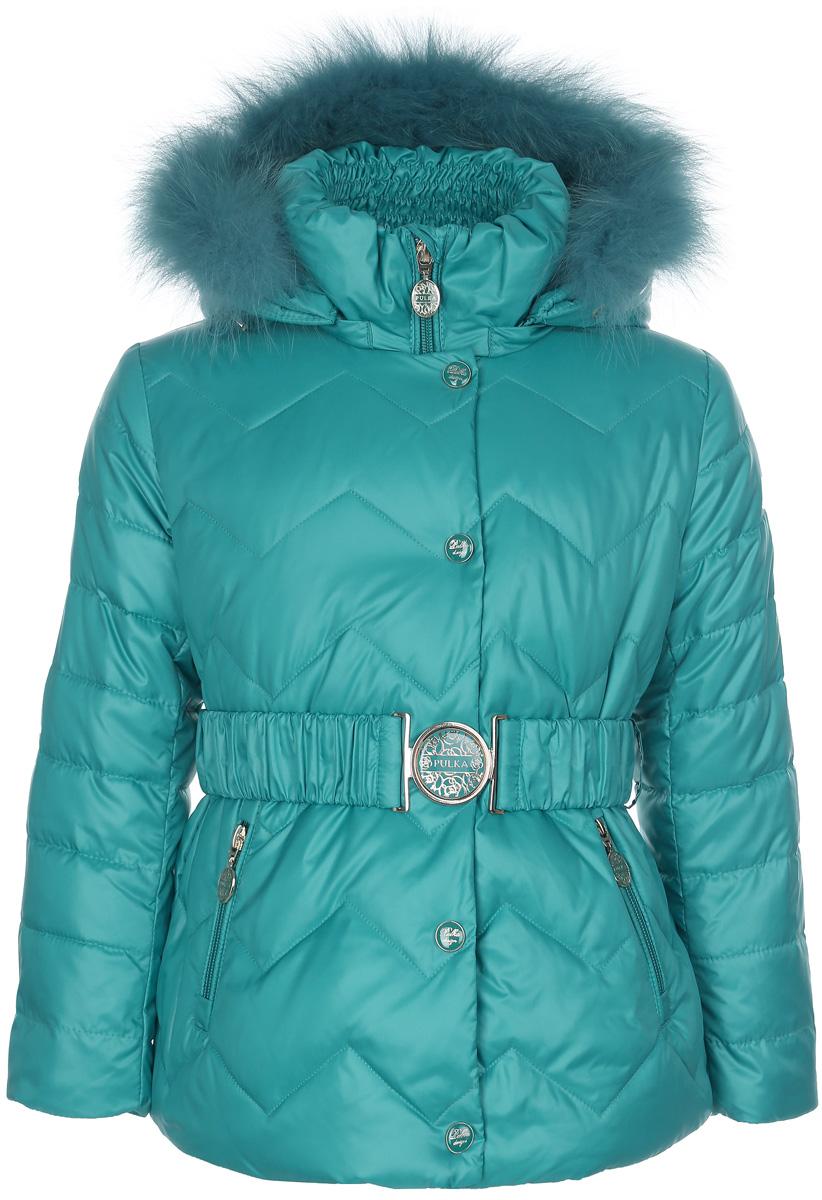 Куртка для девочки. PUFWG-516-20103-607PUFWG-516-20103-607Стильная куртка для девочки Pulka идеально подойдет для маленькой модницы в холодное время года. Курточка изготовлена из полиэфира с утеплителем Shelter - 100% микроволокна полиэстера, а также с добавлением пуха и пера. Shelter - утеплитель, состоящий из полиэфирных микроволокон, удачно сочетает непревзойденное тепло натурального пуха и лучшие качества синтетических материалов. Его уникальность состоит в особенности структуры, повторяющей пух. Ультратонкие волокна делают утеплитель мягким, позволяющим ребенку активно двигаться. Изделие легко стирается, быстро сохнет и сохраняет форму. Основная часть подкладки выполнена из эластичного хлопка. Куртка с капюшоном и воротником-стойкой застегивается на молнию и дополнительно имеет внутреннюю и внешнюю ветрозащитные планки, а также защиту подбородка в виде текстильного уголочка. Внешняя планка застегивается на кнопки. Капюшон, декорированный съемной опушкой из натурального меха песца, пристегивается к куртке при помощи молнии. По краю...