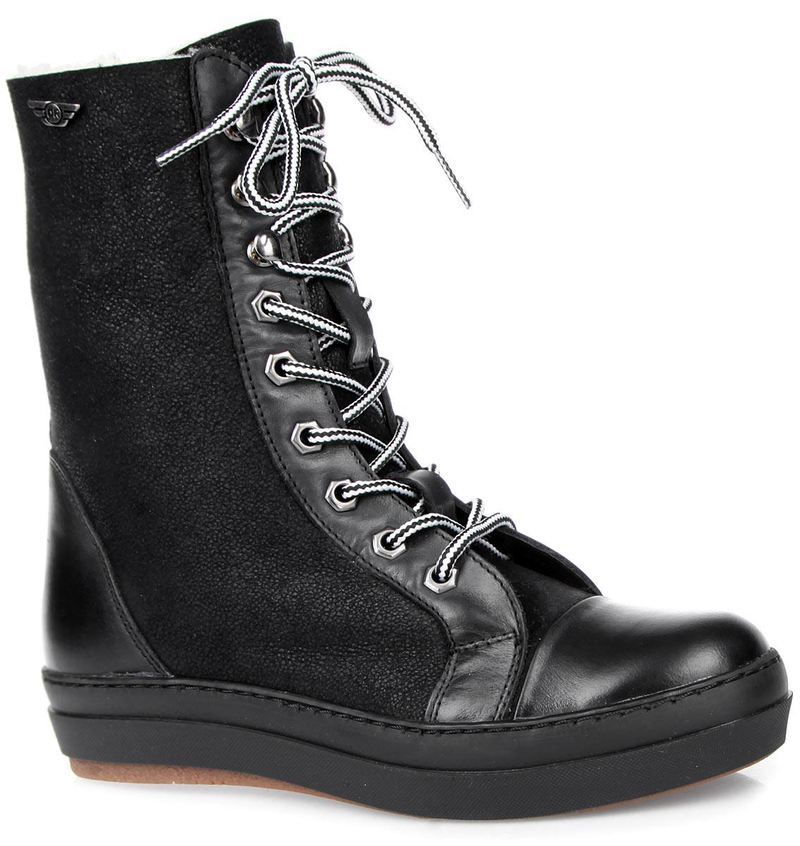 828-59-01(M)Высокие женские ботинки от Dino Ricci покорят вас своим удобством. Модель выполнена из натуральной кожи и оформлена оригинальным плетением на шнурках, на голенище - фирменной металлической пластиной. Шнуровка прочно зафиксирует обувь. Подкладка и стелька из натурального меха сохранят ваши ноги в тепле. Утолщенная подошва с рифлением защищает изделие от скольжения. В таких ботинках вашим ногам будет комфортно и уютно. Они подчеркнут ваш стиль и индивидуальность.
