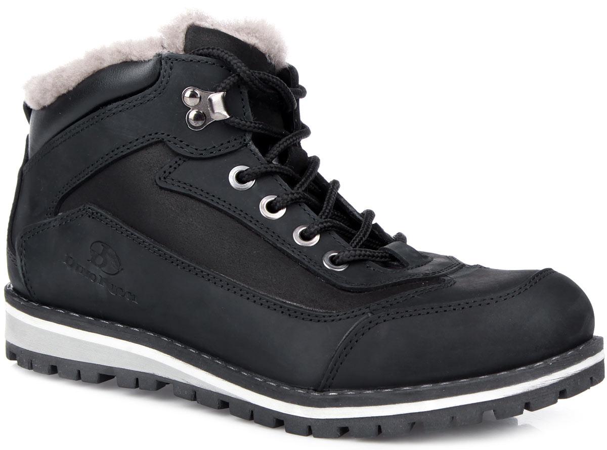 Ботинки мужские. 706-16706-16-1(M)Стильные мужские ботинки от Dino Ricci - отличный вариант на каждый день. Модель выполнена из натуральной кожи и оформлена крупной прострочкой вдоль ранта, задним наружным ремнем, сбоку - фирменным тиснением. Ярлычок на заднике облегчает обувание модели. Шнуровка надежно фиксирует изделие на ноге. Подкладка и стелька из натурального меха сохранят ваши ноги в тепле. Подошва с рельефным протектором защищает изделие от скольжения. Модные и удобные ботинки займут достойное место среди вашей коллекции обуви!
