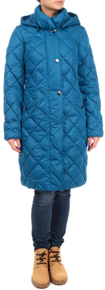 КурткаW15-11022_141Удлиненная женская куртка Finn Flare выполнена из высококачественного плотного материала, рассчитана на холодную погоду. Она поможет вам почувствовать себя максимально комфортно и стильно. Модель с длинными рукавами, капюшоном, воротником-стойкой застегивается на застежку-молнию и дополнительно ветрозащитным клапаном на металлические кнопки. Рукава дополнены эластичными резинками. Капюшон пристегивается с помощью металлических кнопок. Модель оформлена стеганой отстрочкой и дополнена двумя втачными карманами на кнопках. В этой куртке вам будет комфортно. Модная фактура ткани, отличное качество, великолепный дизайн.