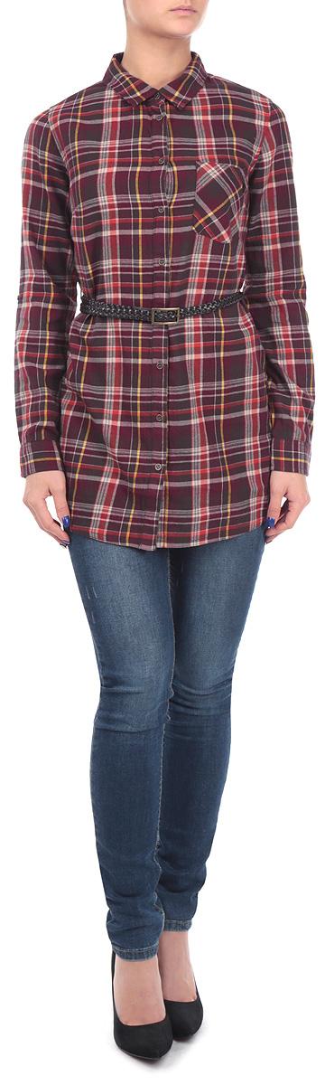 РубашкаTKw-112/593-5444Удлиненная женская рубашка Sela, выполненная из хлопка, приятная на ощупь, не сковывает движения и позволяет коже дышать. Рубашка оформлена ярким клетчатым принтом, накладным карманом и оригинальным ремешком из искусственной кожи. Модель прямого кроя с длинными рукавами, отложным воротником и застежкой на пуговицы. Эта модная и удобная рубашка послужит замечательным дополнением к вашему гардеробу.