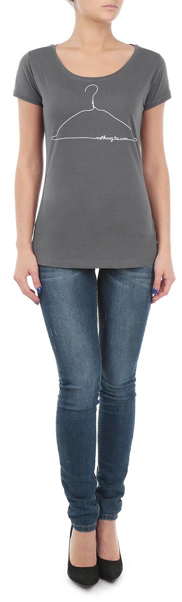 Футболка10153650_86HСтильная женская футболка Broadway, выполненная из хлопка с добавлением вискозы, станет прекрасным дополнением к вашему гардеробу. Материал очень мягкий и приятный на ощупь, хорошо вентилируется. Футболка слегка приталенного кроя с короткими рукавами имеет круглый вырез горловины, дополненный трикотажной резинкой. Изделие оформлено оригинальным принтом. Такая модель будет дарить вам комфорт в течение всего дня и послужит модным и практичным предметом гардероба.