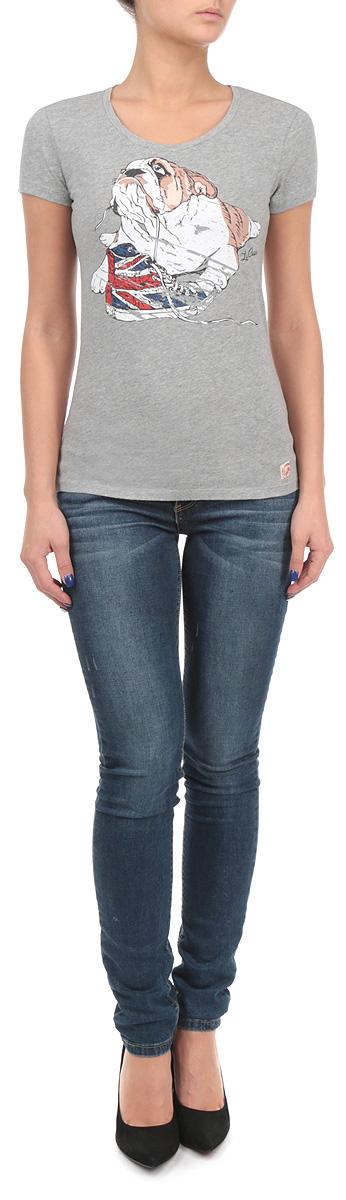 Футболка женская. LCHWJ088LCHWJ088/DKDENIMСтильная женская футболка Lee Cooper, выполненная из 100%-го хлопка, обладает высокой воздухопроницаемостью и гигроскопичностью, позволяет коже дышать. Модель с короткими рукавами и круглым вырезом горловины спереди дополнена красочным изображением собаки. Горловина изделия выполнена с необработанным краем. Эта футболка - идеальный вариант для создания эффектного образа.