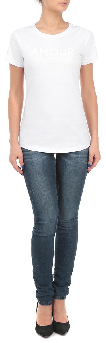Футболка женская. TPO1294BITPO1294BIСтильная женская футболка Troll, выполненная из 100%-го хлопка, обладает высокой воздухопроницаемостью и гигроскопичностью, позволяет коже дышать. Модель с короткими рукавами и круглым вырезом горловины спереди дополнена принтовыми надписями. Эта футболка - идеальный вариант для создания эффектного образа.