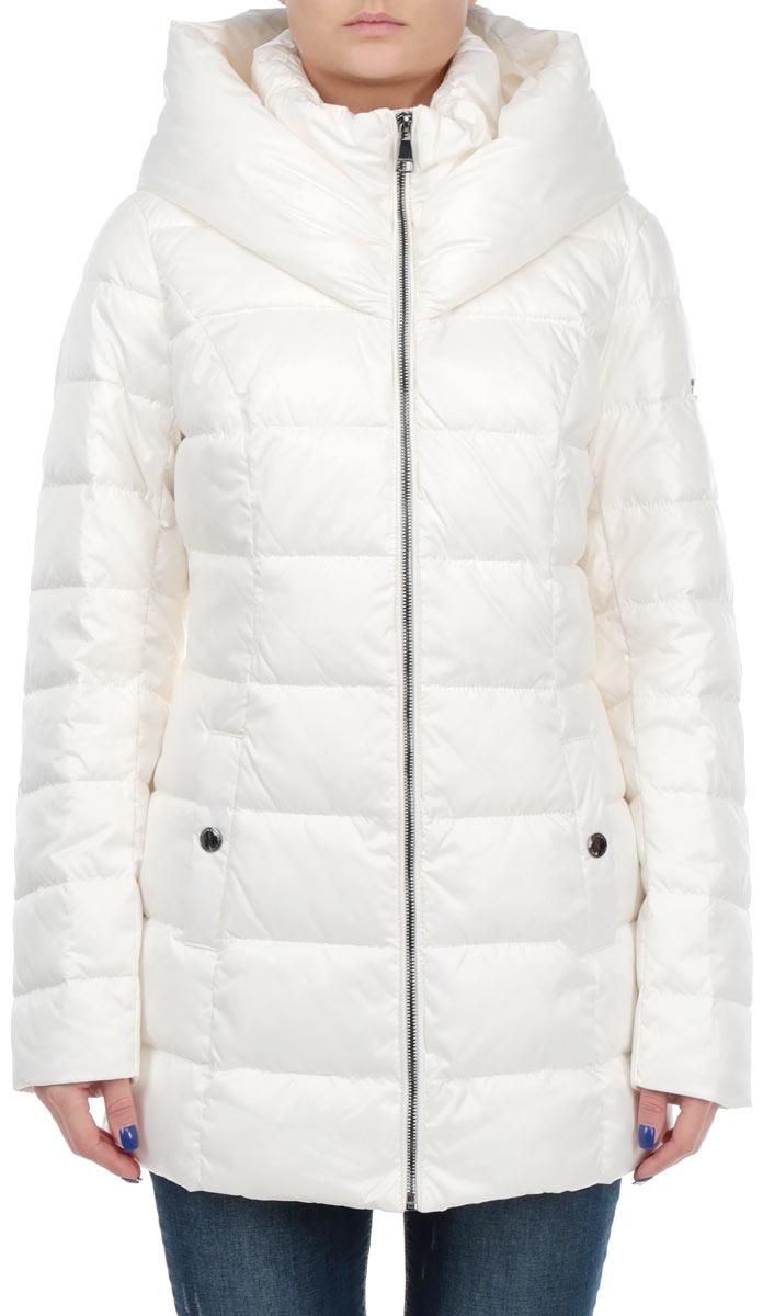 КурткаW15-11006_711Стильная удлиненная куртка Finn Flare выполнена из высококачественного плотного материала, рассчитана на холодную погоду. Она поможет вам почувствовать себя максимально комфортно и стильно. Модель с длинными рукавами, несъемным капюшоном и воротником-стойкой застегивается на застежку-молнию. Модель дополнена двумя карманами на кнопках. В этой куртке вам будет комфортно. Модная фактура ткани, отличное качество, великолепный дизайн.
