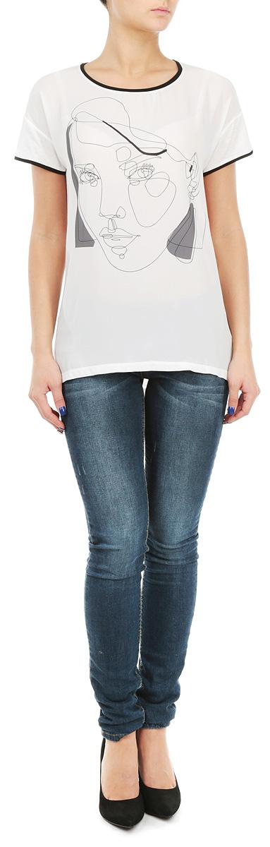Футболка женская. SPO2616BISPO2616BIСтильная женская футболка Top Secret, выполненная из высококачественных материалов, обладает высокой воздухопроницаемостью и гигроскопичностью, позволяет коже дышать. Модель с короткими рукавами и круглым вырезом горловины спереди дополнена оригинальным принтом. Эта футболка - идеальный вариант для создания эффектного образа.