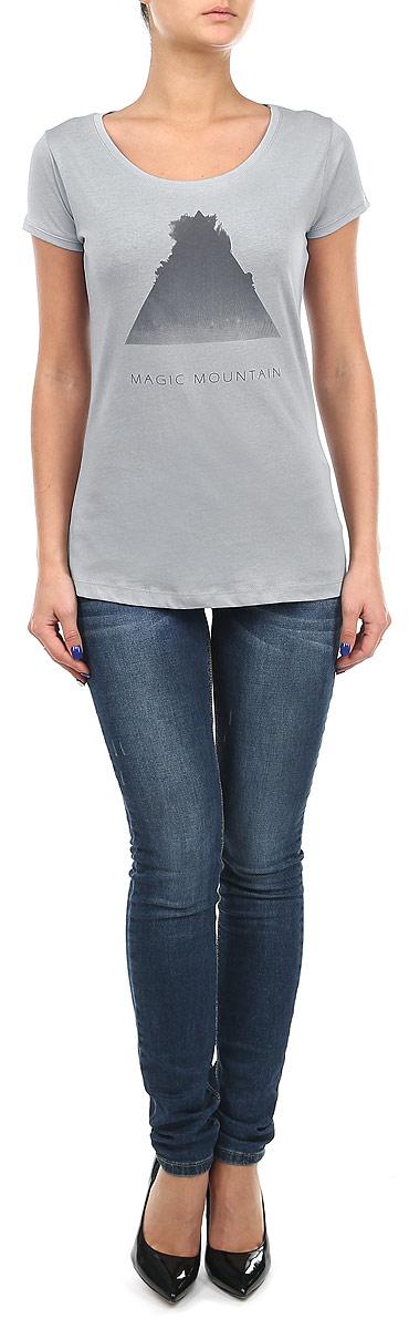 Футболка женская. 10153650 56B10153650_56BСтильная женская футболка Broadway, выполненная из хлопка с добавлением вискозы, станет прекрасным дополнением к вашему гардеробу. Материал очень мягкий и приятный на ощупь, хорошо вентилируется. Футболка слегка приталенного кроя с короткими рукавами имеет круглый вырез горловины, дополненный трикотажной резинкой. Изделие оформлено оригинальным принтом. Такая модель будет дарить вам комфорт в течение всего дня и послужит модным и практичным предметом гардероба.