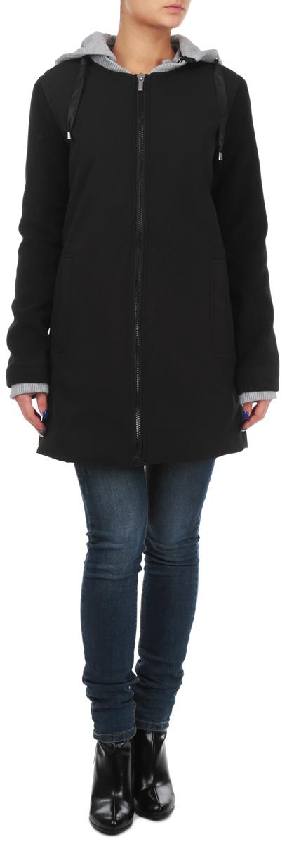 Пальто женское. TPZ0098CATPZ0098CAЭлегантное женское пальто Troll согреет вас в прохладное время года. Модель с длинными рукавами и воротником-стойкой застегивается на застежку-молнию, воротник застегивается на кнопки. Изделие дополнено двумя втачными открытыми карманами спереди. Пальто имеет съемный капюшон на застежке-молнии, объем которого регулируется при помощи шнурка-кулиски. Рукава дополнены внутренними трикотажными манжетами. Это комфортное и стильное пальто - отличный вариант для долгих осенних прогулок, оно не позволит вам замерзнуть, подчеркнет ваш изысканный вкус и поможет создать неповторимый образ.