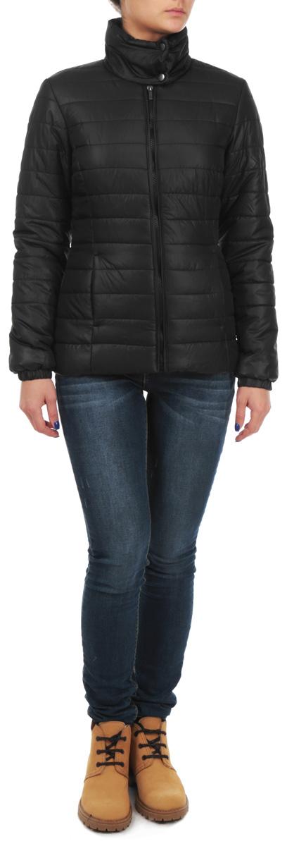 Куртка женская. TKU0248CATKU0248CAУдобная и стильная женская куртка Troll согреет вас в прохладное время года. Модель с длинными рукавами и воротником-стойкой застегивается на застежку-молнию, воротник застегивается на кнопки. Куртка дополнена двумя втачными карманами на молниях спереди. Манжеты рукавов оснащены эластичными резинками. Эта модная и в то же время комфортная куртка - отличный вариант для прогулок, она подчеркнет ваш изысканный вкус и поможет создать неповторимый образ.