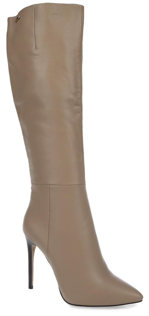 Сапоги женские. F1359C-5VF1359C-5VЭлегантные женские сапоги от Winzor покорят вас с первого взгляда. Модель изготовлена из натуральной гладкой кожи и декорирована фактурными швами. Подкладка и стелька - из байки, защитят ноги от холода и обеспечат комфорт. Верх изделия декорирован стильной фурнитурой. Сбоку модель дополнена эластичной вставкой. Сапоги застегиваются на застежку-молнию, расположенную на одной из боковых сторон. Ультравысокий каблук-шпилька компенсирован скрытой платформой. Подошва из термопластичного материала с рельефным протектором обеспечивает отличное сцепление на любой поверхности. Модные сапоги покорят вас своим оригинальным дизайном и удобством!