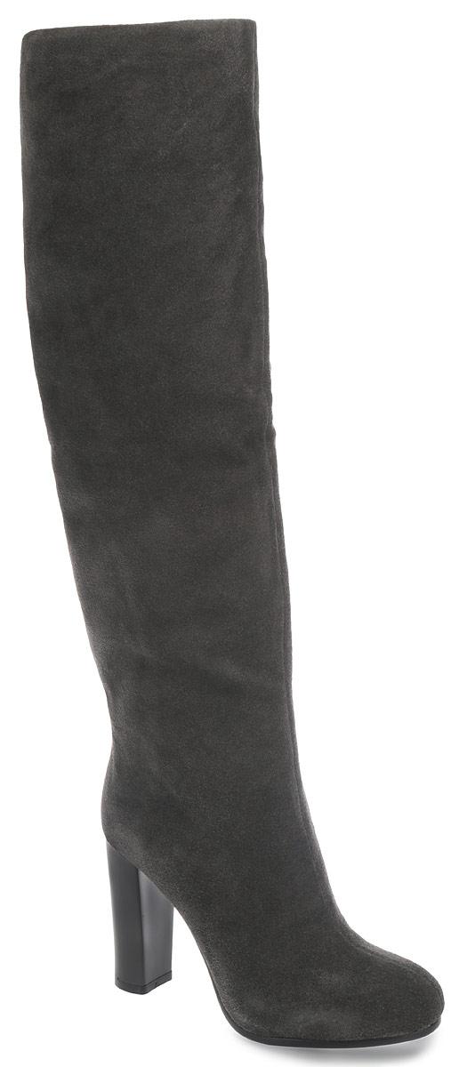 970-08-HR-15-CBM-CSМодные женские сапоги от Calipso займут достойное место в вашем гардеробе. Модель выполнена из натурального велюра и исполнена в лаконичном стиле. Сапоги застегиваются на застежку-молнию, расположенную на одной из боковых сторон. Стелька из натурального меха сохранит ваши ноги в тепле. Высокий каблук-столбик устойчив. Подошва оснащена противоскользящим рифлением. Стильные сапоги подчеркнут ваш стиль и индивидуальность!