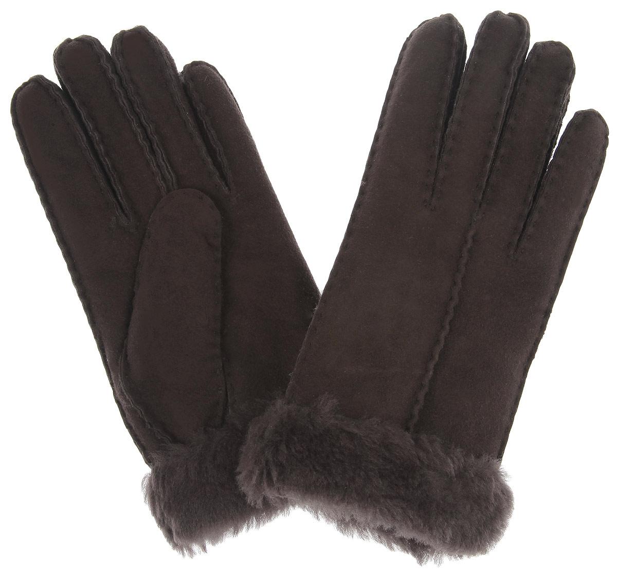 Перчатки25.11-2 chocolatСтильные женские перчатки Fabretti не только защитят ваши руки, но и станут великолепным украшением. Перчатки выполнены из чрезвычайно мягкой и приятной на ощупь мелковорсистой натуральной кожи, а их подкладка - из натурального меха. Перчатки оформлены наружными ручными швами. Стильный аксессуар для повседневного образа.