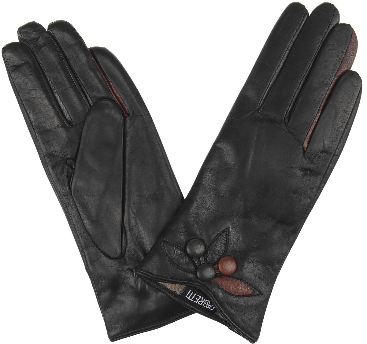 Перчатки9.64-1 blackСтильные женские перчатки Fabretti не только защитят ваши руки, но и станут великолепным украшением. Перчатки выполнены из чрезвычайно мягкой и приятной на ощупь натуральной кожи, а их подкладка - из шерсти с добавлением кашемира. С лицевой стороны манжеты имеют небольшую выемку и декорированы контрастными вставками с пуговками. Тыльная сторона оснащена резинкой для оптимальной посадки модели на руке. Перчатки станут завершающим и подчеркивающим элементом вашего стиля и неповторимости.