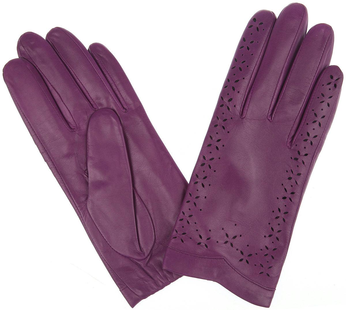 4.8-8s emillionСтильные перчатки Fabretti с шелковой подкладкой выполнены из мягкой и приятной на ощупь натуральной кожи ягненка и оформлены декоративной перфорацией. Тыльная сторона манжета оснащена резинкой для оптимальной посадки модели на руке. Перчатки станут достойным элементом вашего стиля и сохранят тепло ваших рук.