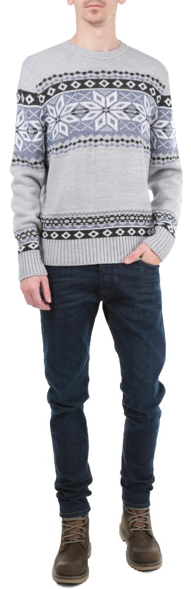 Джемпер мужской. W15-22106.W15-22106_211Стильный мужской джемпер Finn Flare, выполненный из высококачественного материала, необычайно мягкий и приятный на ощупь, не сковывает движения, обеспечивая наибольший комфорт. Модель с круглым вырезом горловины и длинными рукавами идеально гармонирует с любыми предметами одежды и будет уместен и на отдых, и на работу. Низ и манжеты изделия связаны широкой резинкой, что предотвращает деформацию при носке. Мягкий и уютный джемпер станет прекрасным дополнением вашего гардероба.