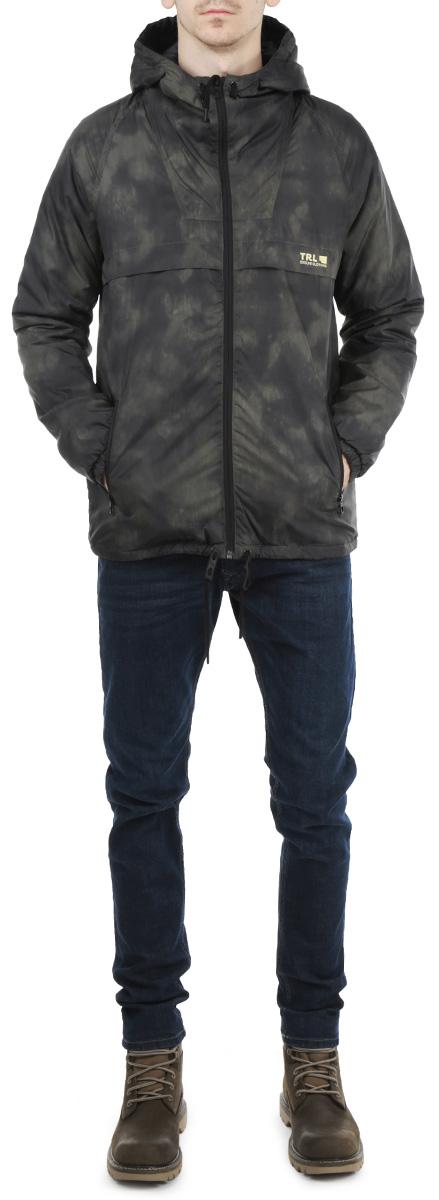 Куртка мужская. TKU0240ZITKU0240ZIСтильная мужская куртка Troll отлично подойдет для прохладных дней. Модель прямого кроя с длинными рукавами и несъемным капюшоном застегивается на молнию. Изделие дополнено двумя втачными карманами на молниях спереди и внутренним открытым карманом. Манжеты рукавов дополнены эластичными резинками. Капюшон и низ куртки затягиваются на шнурок-кулиску. Эта модная и в то же время комфортная куртка согреет вас в непогоду и отлично подойдет как для прогулок, так и для занятия спортом.