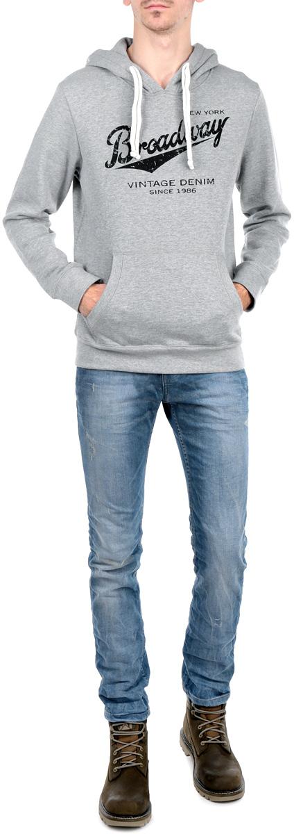 Толстовка мужская. 1015302910153029 388Утепленная мужская толстовка Broadway, изготовленная из высококачественного материала, необычайно мягкая и приятная на ощупь, не сковывает движения, обеспечивая наибольший комфорт. Толстовка, с капюшоном на оригинальной кулиске, спереди имеет вместительный карман кенгуру. На груди модель оформлена принтовой надписью с названием бренда. Толстовка имеет широкую мягкую резинку по низу, что предотвращает проникновение холодного воздуха и длинные рукава с широкими эластичными манжетами, не стягивающими запястья. Эта модная и в тоже время комфортная толстовка отличный вариант как для активного отдыха, так и для занятий спортом!