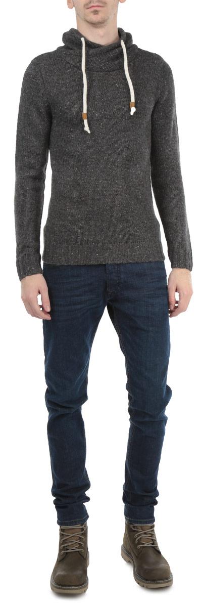 Свитер мужской. B635544B635544Ультрамодный свитер Baon подчеркнет оригинальность вашего образа. Свитер, выполненный из мягкой меланжевой пряжи, идеально подойдет для повседневного ношения. Изюминкой модели стал запашной воротник-стойка, оснащенный кулиской. Манжеты и линия низа оформлены резинкой, что предотвращает деформацию при носке. В свитере от Baon вы всегда будете чувствовать себя уютно и комфортно в прохладное время года.