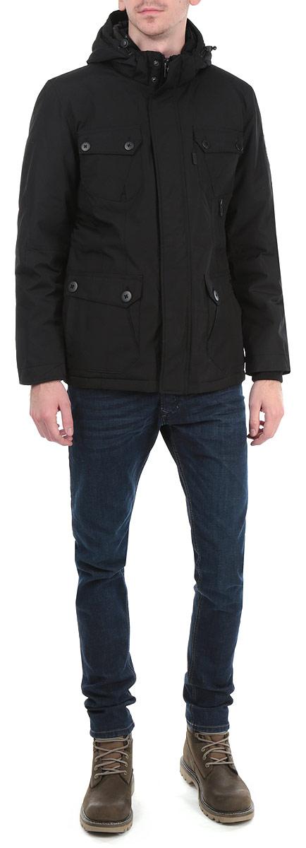 B535526_BLACKСтильная мужская куртка Baon, выполненная из высококачественных материалов, обеспечит максимальный комфорт при различных погодных условиях. Изделие со съемным капюшоном и длинными рукавами застегивается на пластиковую застежку-молнию и дополнительно ветрозащитным клапаном на металлические кнопки. Спереди модель дополнена двумя нашивными карманами без застежки и двумя нашивными карманами на пуговицах. Куртка с внутренней стороны на талии оформлена текстильным шнуром и дополнена одним втачным карманом на молнии. Рукава изделия дополнены эластичными текстильными манжетами. Манжеты и низ изделия дополнены эластичными резинками, препятствующими проникновению холодного воздуха. Капюшон изделия дополнен внутренней эластичной резинкой на стопперах. Эта стильная куртка послужит отличным дополнением к вашему гардеробу!