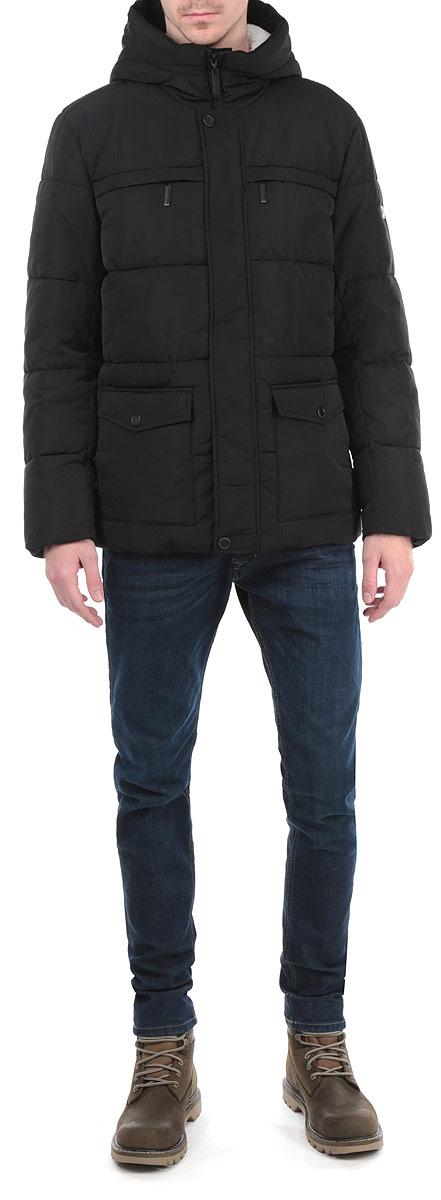 КурткаW15-21007Стильная мужская куртка Finn Flare подчеркнет вашу индивидуальность и обеспечит защиту от всевозможных погодных условий. Куртка с несъемным капюшоном и длинными рукавами застегивается на пластиковую застежку-молнию и дополнительно имеет внешнюю ветрозащитную планку на металлических кнопках. Капюшон выполнен с подкладкой из мягкого флиса и по краю дополнен скрытой трикотажной эластичной резинкой со специальными фиксаторами. Спереди модель дополнена двумя прорезными карманами на застежках-молниях и двумя нашивными карманами на кнопках. С изнаночной стороны имеется прорезной карман на застежке-молнии и два кармана на пуговицах. Рукава изделия дополнены трикотажными манжетами, препятствующими проникновению холодного воздуха. Низ изделия дополнен внутренней эластичной резинкой на стопперах. Эта теплая куртка послужит отличным дополнением к вашему гардеробу!