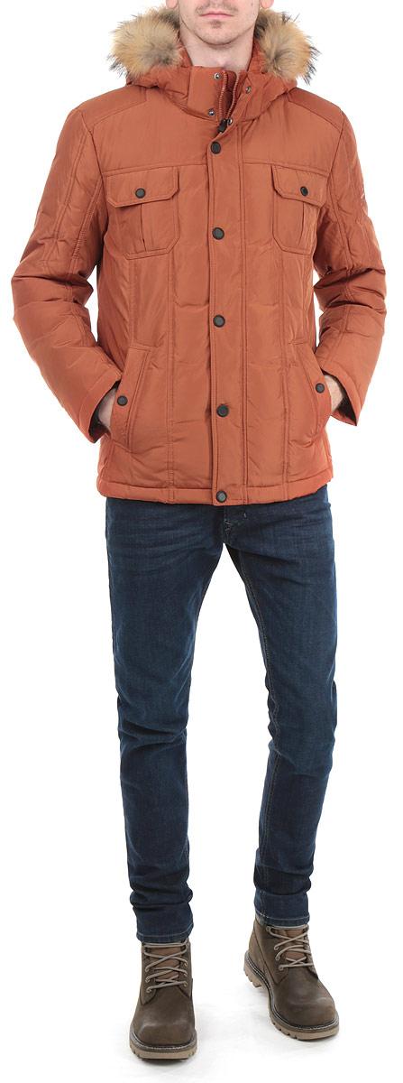 Куртка мужская. W15-22014W15-22014Стильная мужская куртка Finn Flare подчеркнет вашу индивидуальность и обеспечит защиту от всевозможных погодных условий. Куртка со съемным капюшоном, воротником-стойкой и длинными рукавами застегивается на пластиковую застежку-молнию и дополнительно имеет внешнюю ветрозащитную планку на металлических кнопках. Капюшон выполнен с отделкой из натурального меха, которую при желании можно отстегнуть. Подкладка капюшона и верхняя часть подкладки куртки выполнены из 100%-го хлопка. Рукава изделия дополнены трикотажными манжетами, препятствующими проникновению холодного воздуха. Спереди модель дополнена двумя прорезными карманами на застежках-молниях и двумя нашивными карманами на кнопках. С изнаночной стороны имеется прорезной карман на застежке-молнии и два нашивных кармана. Низ изделия дополнен внутренней эластичной резинкой на стопперах. Эта теплая куртка послужит отличным дополнением к вашему гардеробу!