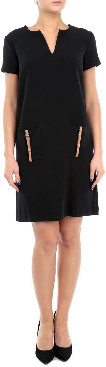 Платье. B455524B455524Элегантное платье Baon лаконичного дизайна, выполненное из высококачественного плотного материала, займет достойное место в вашем гардеробе. Модель А-силуэта будет уместна в любой ситуации, требующей от вас выглядеть сдержанно и стильно. Изделие застегивается на скрытую пластиковую молнию на спинке. Платье с короткими рукавами и круглым вырезом с V-образным углублением в зоне декольте на груди дополнено вытачками. Спереди модель украшена двумя накладными карманами с декором в виде ремешков с золотистыми пряжками. Это модное и в тоже время комфортное платье послужит отличным дополнением к вашему гардеробу. В таком платье можно отправиться как на работу, так и на встречу с друзьями.