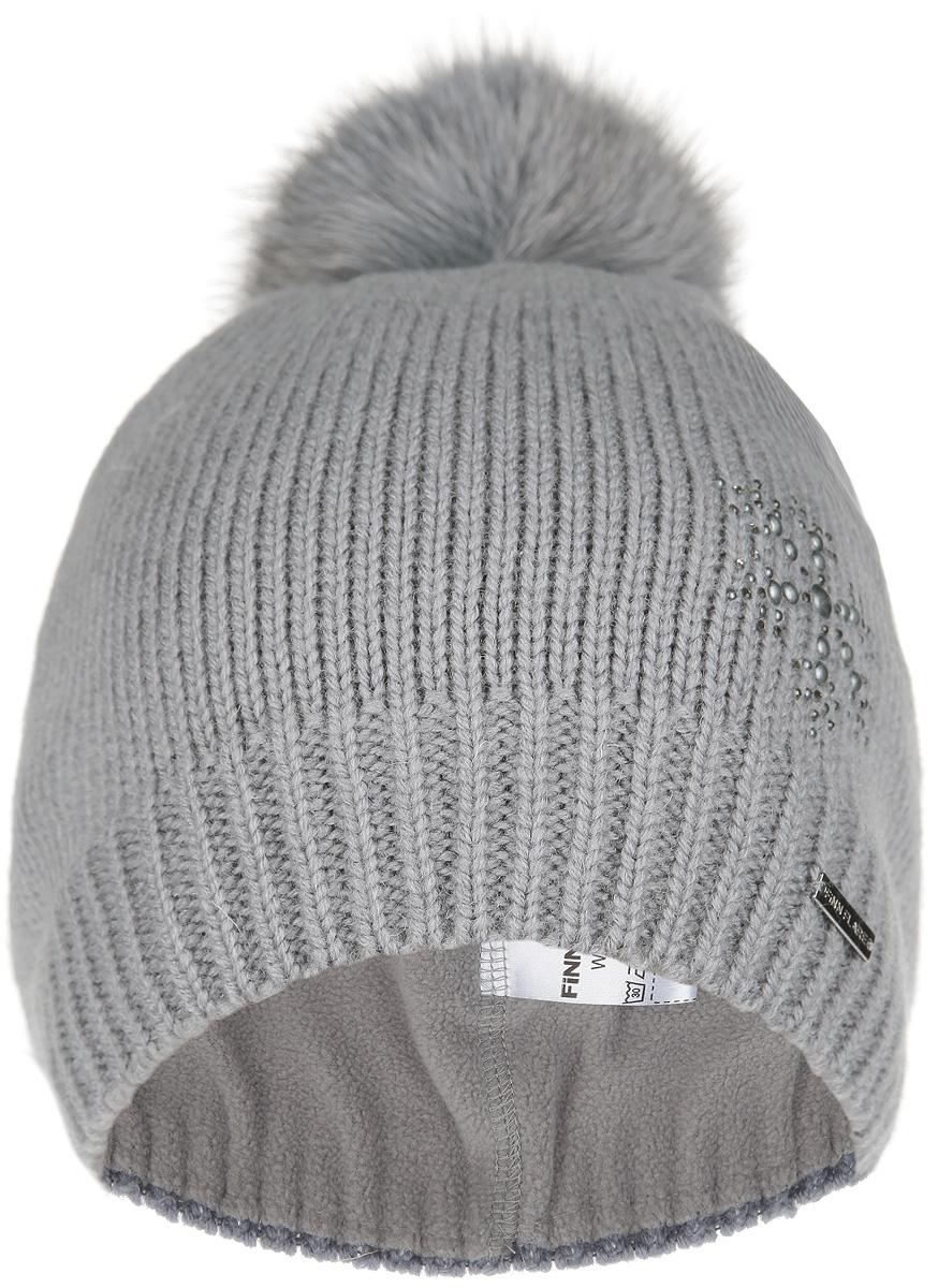 Шапка женская. W15-32105W15-32105Стильная женская шапка Finn Flare дополнит ваш наряд и не позволит вам замерзнуть в холодное время года. Шапка выполнена из высококачественной полушерстяной пряжи, что позволяет ей великолепно сохранять тепло и обеспечивает высокую эластичность и удобство посадки. Шапка с флисовой подкладкой. Шапка оформлена пушистым помпоном из меха песца и украшена узором из страз. Такая шапка станет модным и стильным дополнением вашего зимнего гардероба. Она согреет вас и позволит подчеркнуть свою индивидуальность!