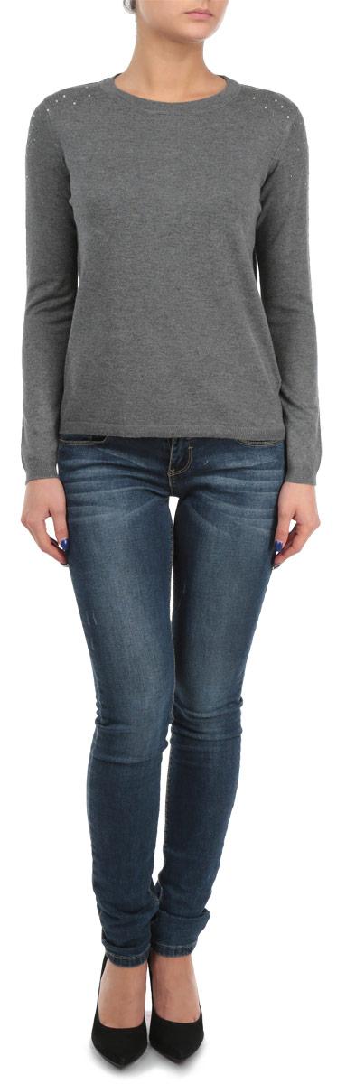 Пуловер10153130 999Стильный женский пуловер Broadway, изготовленный из высококачественной пряжи из вискозы с добавлением нейлона, не сковывает движения, обеспечивая наибольший комфорт. Модель с круглым вырезом горловины и длинными рукавами великолепно сидит, а однотонная расцветка прекрасно сочетается с любыми нарядами. Низ и манжеты пуловера связаны резинкой. Изделие оформлено блестящими стразами на плечах. Пуловер мелкой вязки поможет вам создать стильный современный образ в стиле Casual. Этот теплый и комфортный пуловер станет отличным дополнением к вашему гардеробу. В нем вы всегда будете чувствовать себя уютно в прохладное время года.
