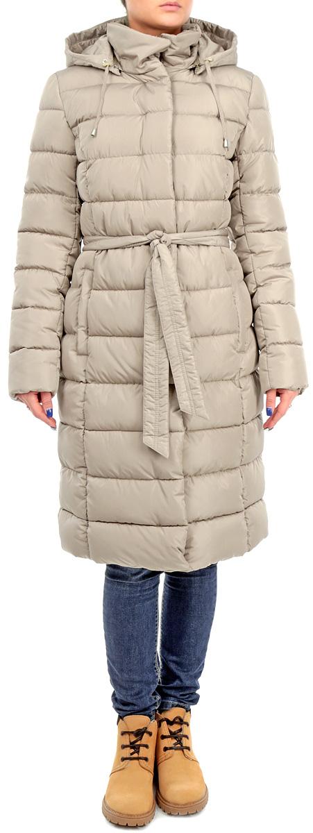 Куртка женская. AL-2645AL-2645Стильная женская куртка Grishko отлично подойдет для холодной погоды. Модель приталенного силуэта с воротником-стойкой застегивается на застежку-молнию и дополнительно ветрозащитной планкой на металлические кнопки. Куртка оформлена эффектной стежкой. Модель дополнена двумя прорезными карманами на застежке-молнии. Съемный капюшон дополнен текстильным шнурком на стопперах. Текстильный пояс в тон модели отлично подчеркнет талию. Утеплитель выполнен холлофайбера, который отличается повышенной теплоизоляцией, антибактериальными свойствами, долговечностью в использовании, и необычайно легок в носке и уходе. Изделия легко стираются в машинке, не теряя первоначального внешнего вида. Эта модная куртка послужит отличным дополнением к вашему гардеробу.