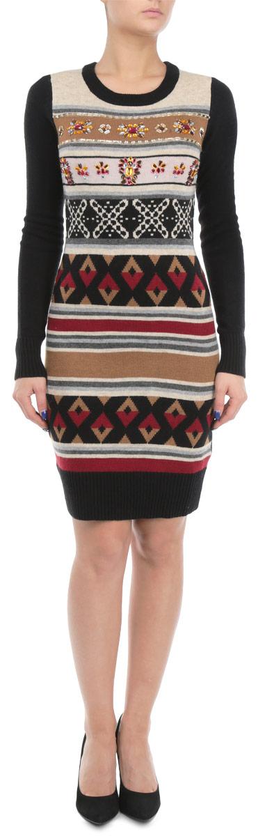Платье. B455544B455544Вязаное женское платье Baon приталенного кроя идеально идеальное решение в прохладное время года. Изготовленное из акрила, полиамида с добавлением ангоры, оно теплое и приятное на ощупь, не сковывает движения и позволяет коже дышать, не раздражает даже самую нежную и чувствительную кожу. Вязаное платье с длинными рукавами и круглым вырезом горловины оформлено актуальным орнаментом. Грудь украшена обилием узоров из декоративных пластиковых камней. Рукава, вырез горловины и низ платья связаны резинкой. Платье Baon послужит отличным дополнением к гардеробу любой модницы. В нем она будет чувствовать себя уютно и комфортно, и всегда будет в центре внимания!