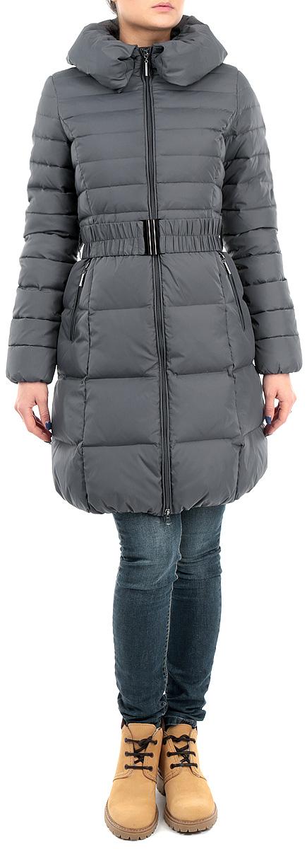Пуховик женский. B005580B005580_MARENGOСтильный женский пуховик Baon, выполненный из высококачественного плотного материала, рассчитан на холодную погоду. Модель с объемным воротником и длинными рукавами застегивается на молнию по всей длине. Края воротника можно поднять или пристегнуть при помощи кнопок. Приталенный силуэт дополнительно подчеркнут эластичным пояском с металлической пряжкой. Внутренняя часть манжетов прострочена эластичной нитью, благодаря чему рукава отлично прилегают к запястьям и препятствуют проникновению холодного воздуха. Модель дополнена двумя втачными карманами на молнии. В этом пуховике вам будет комфортно. Модная фактура ткани, отличное качество, великолепный дизайн.