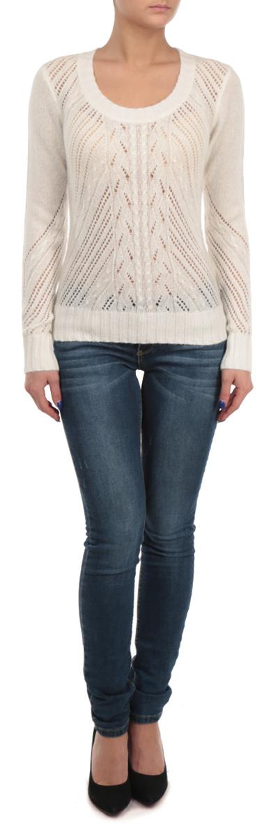 ДжемперB135538Теплый джемпер Baon, благодаря содержанию шерсти и акрила, согреет вас в холодную погоду. Модель имеет глубокий округлый вырез горловины. Лицевая сторона изделия, а также фрагменты рукавов и спинки связаны потрясающим ажурным узором. Манжеты, горловина и линия низа оформлены резинкой, что предотвращает деформацию при носке. Отличный вариант для создания неповторимого образа.