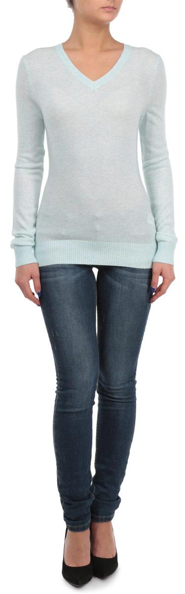 B135707Элегантный женский пуловер Baon, выполнен из трикотажа с добавлением ангоры, благодаря чему имеет нежную поверхность и гарантирует комфортный уровень поддержания тепла. Модель с V-образным вырезом и длинными рукавами. Низ и манжеты изделия выполнены мелкой резинкой. Стильный и универсальный пуловер - отличный выбор для повседневного ношения.