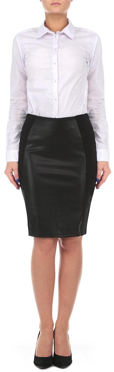 Юбка. B475508B475508Стильная юбка Baon выполнена из высококачественного материала, она обеспечит вам комфорт и удобство при носке. Юбка прямого кроя без подкладки, выполнена из плотного трикотажа и дополнена вставкой из искусственной кожи. Для наилучшей посадки по фигуре изделие дополнено внутренним поясом-резинкой. Отлично сидящая юбка - незаменимая вещь в любом гардеробе. Создайте женственный образ и подчеркните свою яркую индивидуальность!
