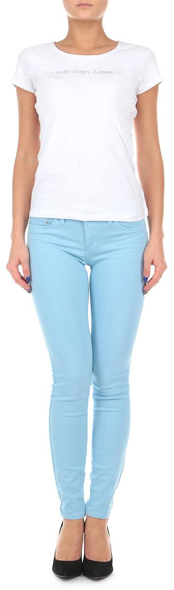 Брюки женские. SPACOGAGA04SPACOGAGA04 Q8/BLU099Стильные женские брюки Tally Weijl созданы специально для того, чтобы подчеркивать достоинства вашей фигуры. Модель зауженного кроя и заниженной посадки станет отличным дополнением к вашему современному образу. Застегиваются брюки на пуговицу в поясе и ширинку на застежке-молнии, имеются шлевки для ремня. Спереди модель оформлена двумя втачными карманами и одним небольшим секретным кармашком, а сзади - двумя накладными карманами. Эти модные и в тоже время комфортные брюки послужат отличным дополнением к вашему гардеробу. В них вы всегда будете чувствовать себя уютно и комфортно.