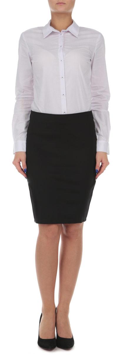 Юбка. 1015082310150823 325Оригинальная юбка Broadway выполнена из высококачественного эластичного полиэстера, она обеспечит вам комфорт и удобство при носке. Очаровательная юбка застегивается на застежку-молнию сзади. Стильная однотонная юбка-карандаш выгодно освежит и разнообразит любой гардероб. Создайте женственный образ и подчеркните свою яркую индивидуальность! Классический фасон и оригинальное исполнение этой юбки сделают ваш образ непревзойденным.
