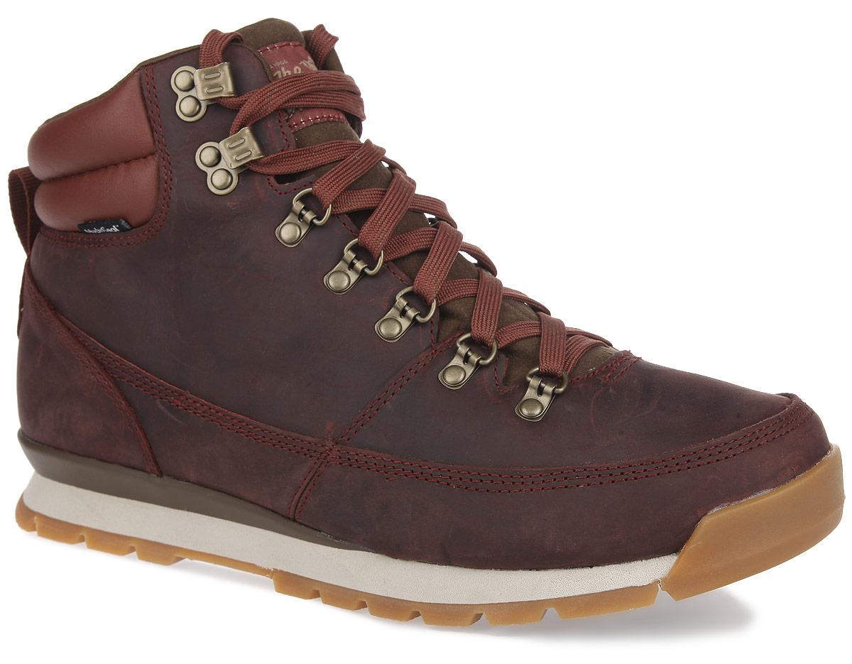 T0CDL0DRVСтильные мужские ботинки Back-To-Berkeley Redux Leather от The North Face займут достойное место среди вашей коллекции обуви. Модель выполнена из натурального нубука со вставками из искусственной кожи и оформлена на язычке и на заднике фирменным логотипом. Мембрана Hydroseal обеспечивает водонепроницаемую защиту. Ярлычок на заднике облегчает надевание обуви. Шнуровка надежно фиксирует изделие. Стелька из текстиля OrthoLite ReBound комфортна при ходьбе. Подкладка из мультиволокна PrimaLoft формирует устойчивую сетку воздушных мешков, которая удерживает тепло тела и не впускает холод. Подошва имеет чувствительные к температуре Icepick наконечники, которые обеспечивают хорошее сцепление с дорогой. Такие ботинки отлично подойдут для повседневного использования. Они подчеркнут ваш стиль и индивидуальность.