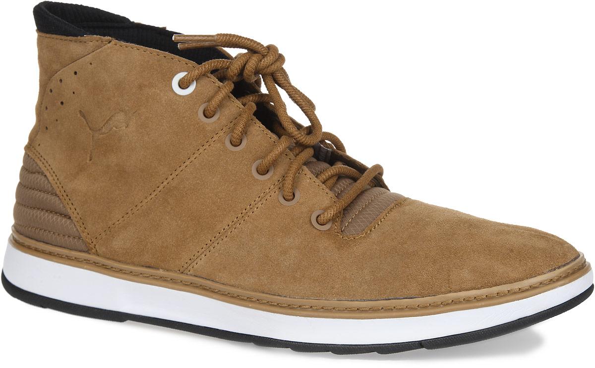 Ботинки мужские MTSP Boot Demi. 305488030548803Модные ботинки MTSP Boot Demi от PUMA отличаются простотой и лаконичностью. Модель выполнена из натуральной замши со вставками из текстиля. Вдоль ранта изделие оформлено прострочкой. Уплотненный задник усиливает защиту пятки. На язычке, на заднике и сбоку изделие оформлено фирменным логотипом. Промежуточная подошва из EVA отлично поглощает удары. Подкладка и стелька, выполненные из текстиля, комфортны при ходьбе. Шнуровка способствует идеальному положению ноги в обуви. Резиновая подошва обеспечивает свободу движений даже при резких поворотах на скользкой поверхности. Стильные ботинки не оставят вас незамеченным! Они подарят комфорт и уют.
