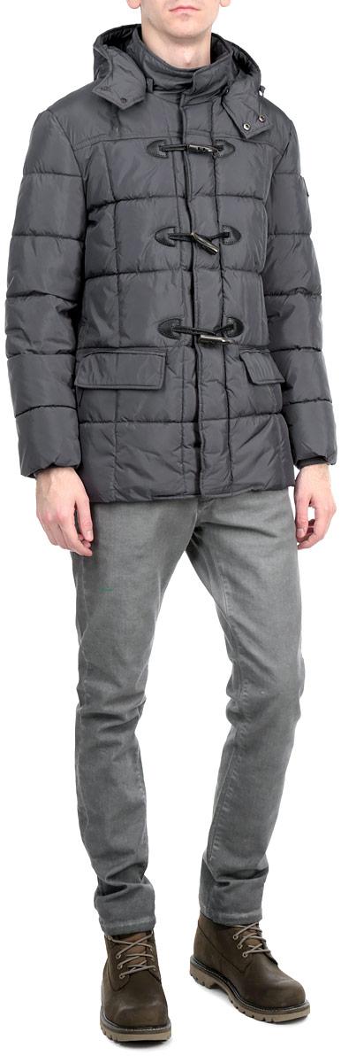 Куртка мужская. 16685 913916685 9139 B148Стильная мужская куртка WPM подчеркнет креативность вашего вкуса. Модель прямого кроя с отстегивающимся капюшоном застегивается на застежку-молнию и дополнительно ветрозащитным клапаном на кнопки и пуговицы. Утеплитель - синтепон. Рукава оформлены эластичными, трикотажными манжетами. Куртка дополнена двумя боковыми карманами. Внутри куртка дополнена двумя потайными карманами на застежках-молниях. Эта модная куртка послужит отличным дополнением к вашему гардеробу.