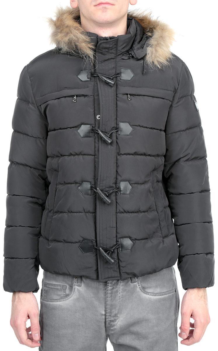 Куртка мужская. 16691 918616691 9186 B148Стильная куртка WPM подчеркнет креативность вашего вкуса и отлично подойдет для прохладной погоды. Модель прямого кроя с отстегивающимся капюшоном застегивается на застежку-молнию и дополнительно ветрозащитным клапаном на кнопки и пуговицы. Капюшон дополнен съемной меховой опушкой. Утеплитель - синтепон. Низ и рукава модели дополнены резинками, которые препятствуют проникновению холодного воздуха. Куртка дополнена двумя боковыми карманами на застежках-молниях. Также есть два нагрудных кармана на застежках-молниях. Внутри куртка дополнена двумя потайными карманами, один из которых на застежке-молнии. Эта модная куртка послужит отличным дополнением к вашему гардеробу.