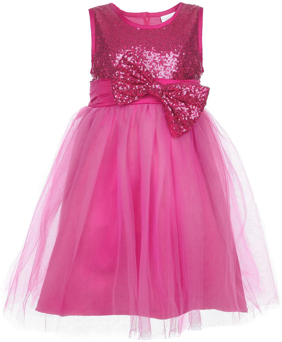 Платье для девочки. 185924/185923185923Яркое платье для девочки Sweet Berry станет отличным дополнением к гардеробу вашей модницы. Платье изготовлено из полиэстера на подкладке из натурального хлопка, оно мягкое и приятное на ощупь, не сковывает движения и позволяет коже дышать, не раздражает даже самую нежную и чувствительную кожу ребенка, обеспечивая наибольший комфорт. Платье с круглым вырезом горловины имеет слегка завышенную линию талии. Модель на спинке застегивается на молнию, что помогает с легкостью переодеть ребенка. Верхняя часть объемной многослойной юбки выполнена из мягкой микросетки. На подъюбнике предусмотрена оборка из сетки, придающая объем. Верх платья расшит пайетками по всей поверхности. На поясе изделие дополнено съемным бантом, который также украшен пайетками. Такое красивое и яркое платье идеально подойдет для праздничных мероприятий. В нем ваша маленькая принцесса будет чувствовать себя стильно и модно, и всегда будет в центре внимания!