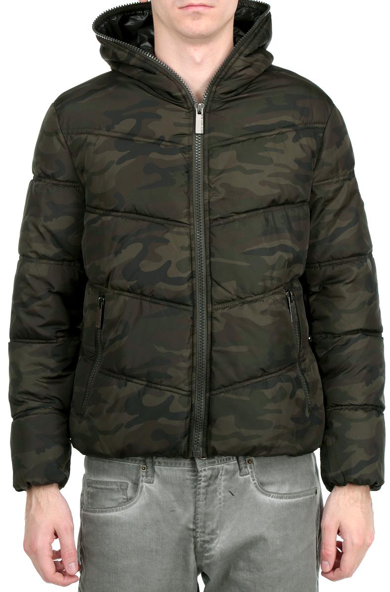 Куртка мужская. 16648 937716648 9377 000Стильная мужская куртка WPM подчеркнет креативность вашего вкуса. Модель с не отстегивающимся капюшоном застегивается на застежку-молнию. Низ модели и рукава дополнены резинками. Утеплитель - синтепон. Куртка дополнена двумя боковыми карманами на застежках-молниях. Внутри модель дополнена потайным карманом. Эта модная куртка послужит отличным дополнением к вашему гардеробу.
