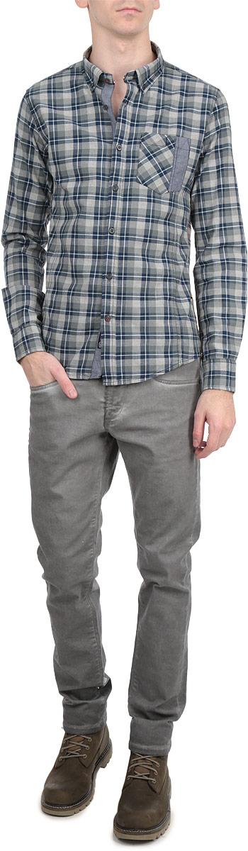 10153719 572Стильная рубашка Broadway с длинными рукавами, отложным воротником и застежкой на пуговицы приятная на ощупь, не сковывает движения, обеспечивая наибольший комфорт. Рубашка оформлена ярким клетчатым принтом и накладным карманом. Рубашка, выполненная из хлопка, обладает высокой воздухопроницаемостью и гигроскопичностью, позволяет коже дышать, тем самым обеспечивая наибольший комфорт при носке даже самым жарким летом. Эта модная и удобная рубашка послужит замечательным дополнением к вашему гардеробу.