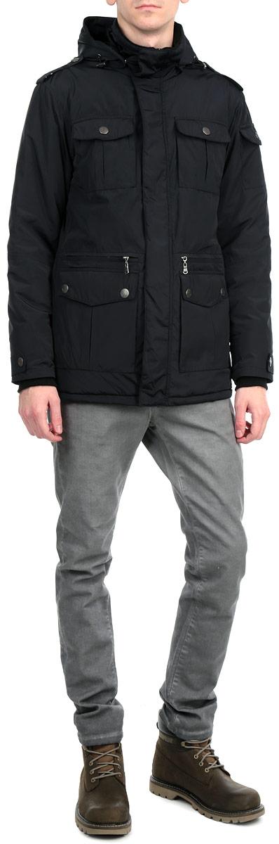 Куртка мужская. AL-2659AL-2659Стильная утепленная мужская куртка Grishko незаменима для городских будней. Модель выполнена из гладкого высококачественного материала с ветрозащитной и водоотталкивающей функцией, обеспечивая максимальный комфорт при различных погодных условиях. Куртка утеплена холлофайбером. Холлофайбер - утеплитель, который отличается повышенной теплоизоляцией, антибактериальными свойствами, долговечностью в использовании и необычайно легок в носке и уходе. Изделия легко стираются в машинке, не теряя первоначального внешнего вида. Теплоизоляция до -35С. Подкладка верхней части куртки имеет короткий ворс. Изделие прямого покроя со съемным капюшоном и длинными рукавами, застегивается на пластиковую застежку-молнию по всей длине и ветрозащитный клапан на клепках. Капюшон дополнен кулиской со стопперами. Модель оснащена удобной системой карманов, включая карман на рукаве: спереди на груди два накладных кармана с клапаном на клепке, в нижней части два объёмных накладных кармана с клапаном и четыре...