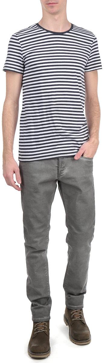 Футболка мужская. 1032221.01.151032221.01.15_6800Стильная мужская футболка Tom Tailor, выполненная из высококачественного трикотажного материала, обладает высокой воздухопроницаемостью и гигроскопичностью, позволяет коже дышать. Модель с короткими рукавами и круглым вырезом горловины оформлена актуальным полосатым принтом. Эта футболка - идеальный вариант для создания эффектного образа.