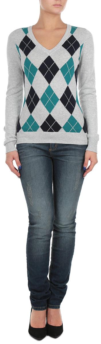 Пуловер женский. B135711B135711_SILVER MELANGEСтильный женский пуловер Baon, изготовленный из высококачественного материала, необычайно мягкий и приятный на ощупь, не сковывает движения, обеспечивая наибольший комфорт. Модель свободного кроя, с V-образным вырезом горловины и длинными рукавами дополнена ярким клетчатым принтом. Широкие мягкие резинки по низу и манжетам изделия препятствуют проникновению холодного воздуха. Этот модный и в тоже время комфортный пуловер станет отличным дополнением вашего гардероба!
